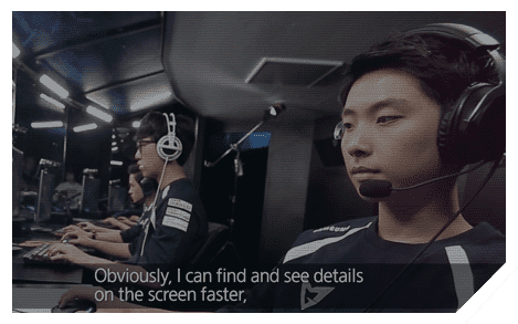 Image of interview by Samsung GALAXY Team's pro-gamers saying about the vivid colors of Samsung monitor